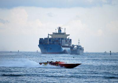 ships meet and thriller speeds